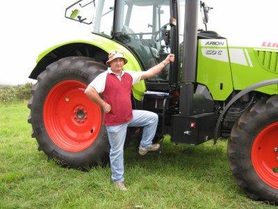 voici le tracteur de mon cousin martel,il l'a eu pour noel.