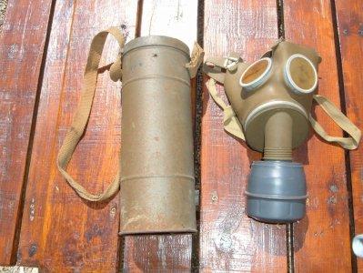 1er masque a gaz