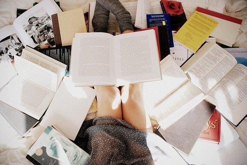 Un livre c'est la naissance d'un voyage, le tracé d'un itinéraire.