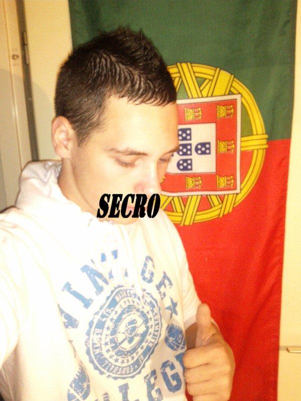 SECRO (moi)