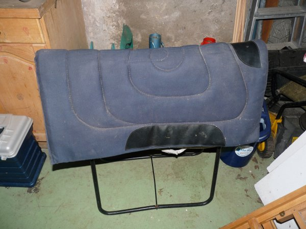 Article n°2, Tapis de Selle Western Taille Cheval Bleu Marine :)