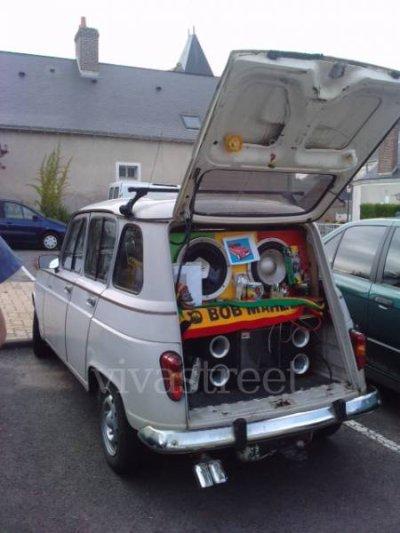 la  voiture du président en préparation