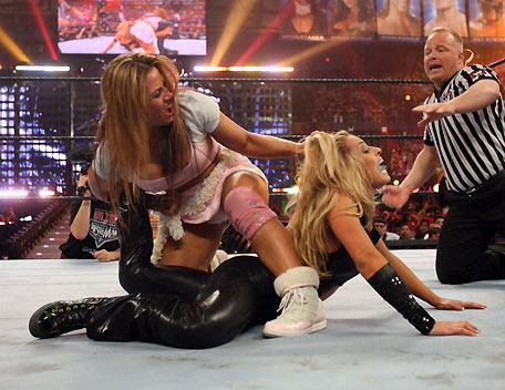 Mickie James Heel turn + extrait Mickie vs Trish à WrestleMania 22