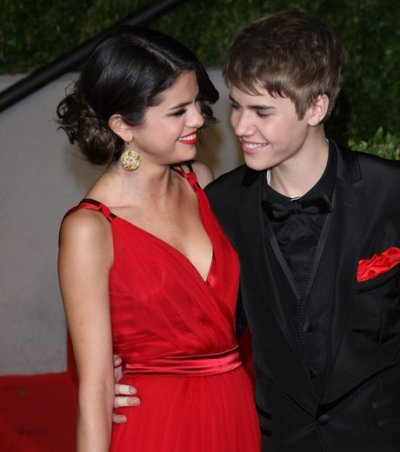 Un nouveaux couple est née... Je parle évidement de Selena et de sont amoureux Justin Bieber...