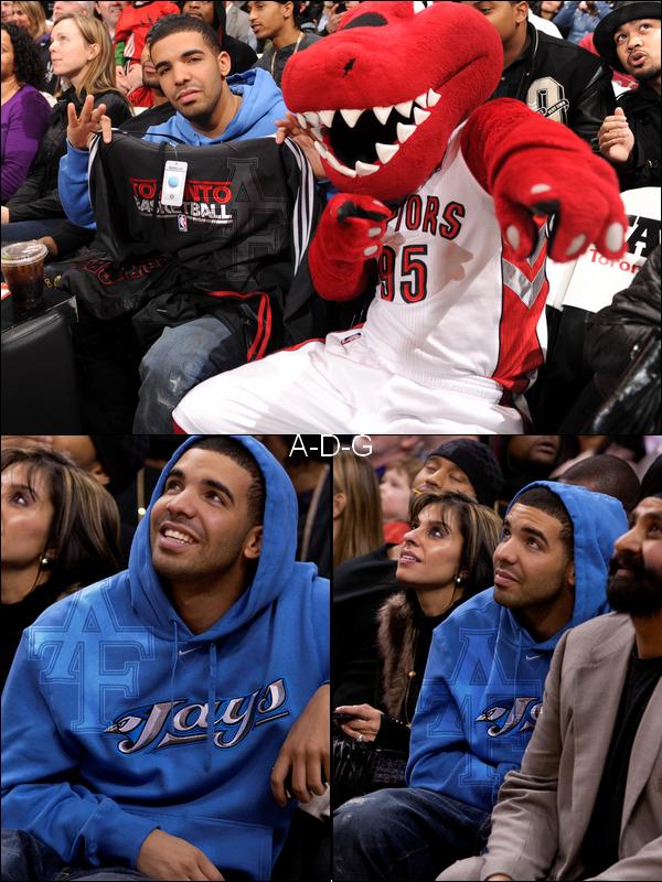 Drake New : New   Drake a un match de basket a Toronto! .