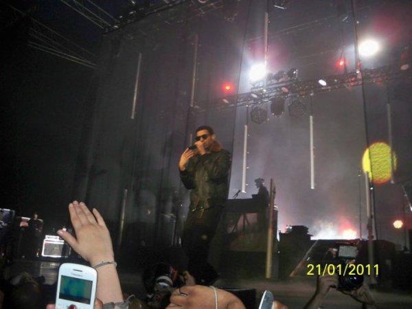 Drake New : New   Concert a Paris, merci pour les photos videos les gens :)! .
