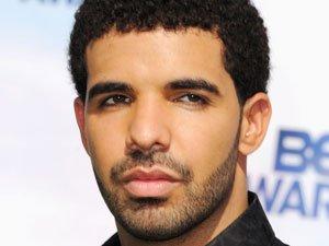 Drake annule un concert pour rejoindre sa famille