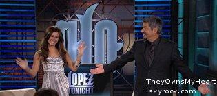 Ashley sur le plateau de Lopez (Show TV)