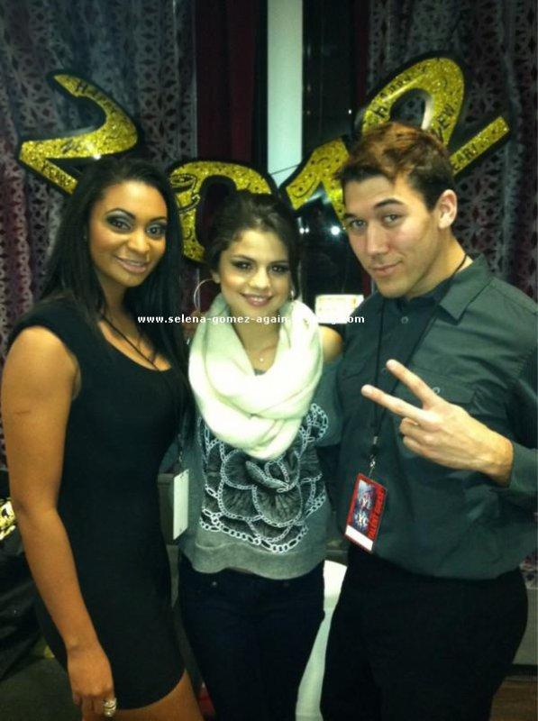 2 photos que Selena a posté rescement via Twitter.