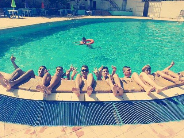 a la piscine ;)