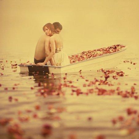 L'amour se nourrit de patience autant que de désir...