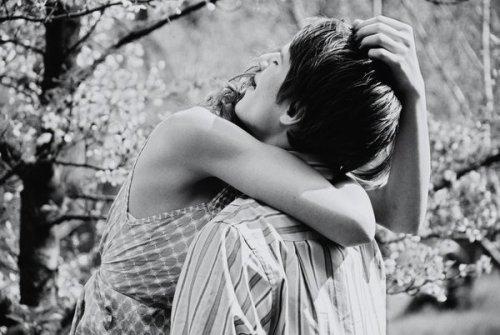 Quand on a trouvé le grand amour, on ne le lâche plus... même lorsque l'objet de tous vos désirs vous supplie d'abandonner...