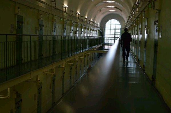 La prison.