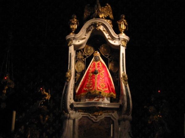 Cathédrale Du-Puy en- Velay  cérémonie tous les jours à 7h sauf le dimanche
