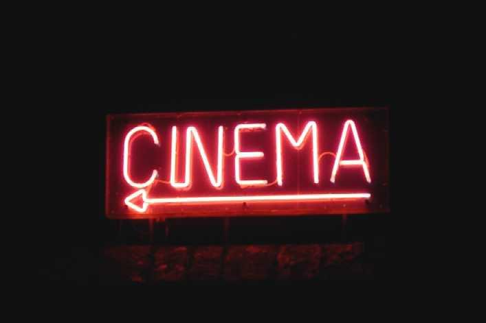 Critique de Films et Séries TV