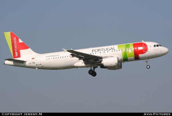 CS-TNI 982 A320-214 TAP