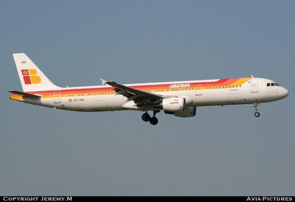 EC-HUI 1027 A321-211 Iberia