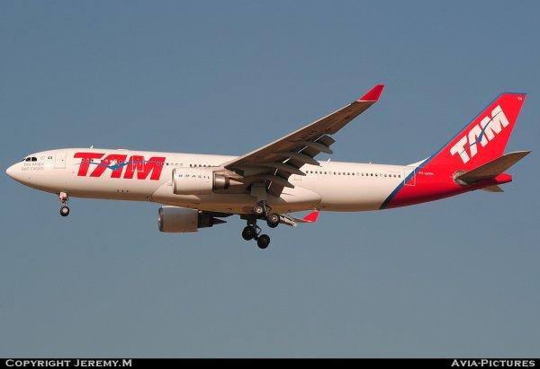 PT-MVH 477 A330-203 TAM