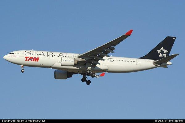 PT-MVM 869 A330-223 TAM