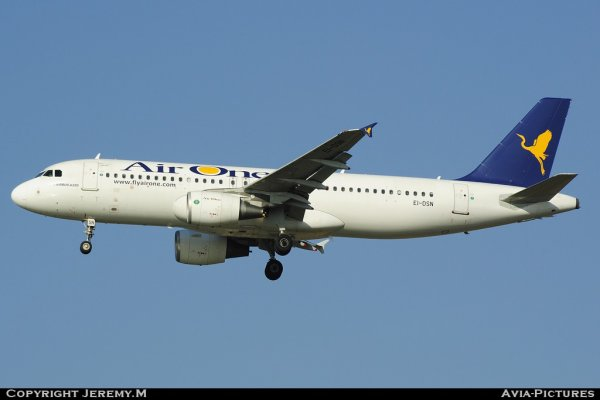 EI-DSN 3412 A320-216 Air One