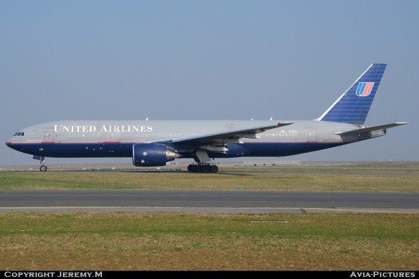 N771UA  26932/3  B777-222  United