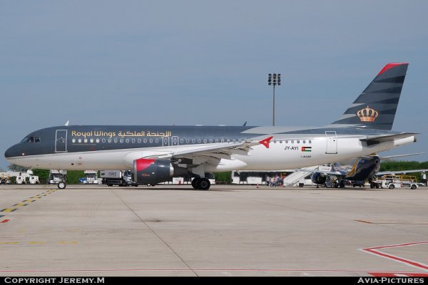 JY-AYI 569 A320-212 Royal Wings