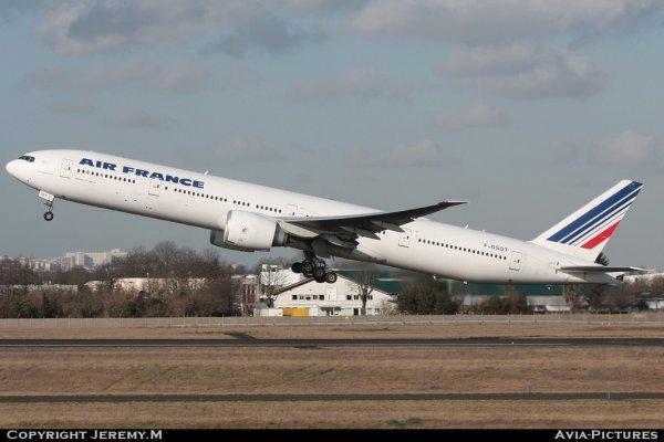 F-GSQT 32846/618 B777-328/ER Air France