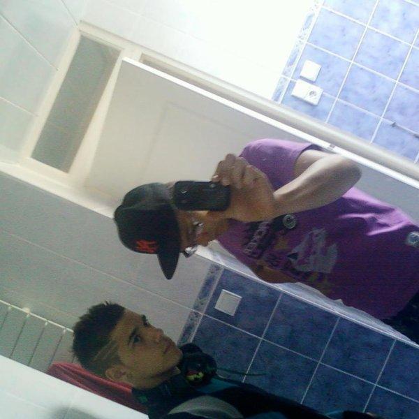 Le mec sans la casquette c'est moi :) ♥