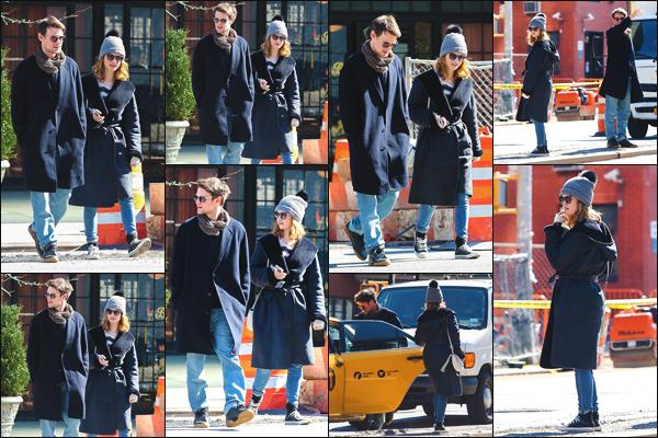 03/03/18 ▬ Lily James a été photographiée par les pappz's avec Matt Smith se promenant dans les rues de New York.