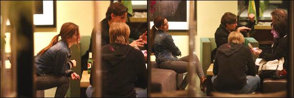 29/03/18 ▬ Lily James a été aperçue avec Matt Smith ainsi que des amis à l'hôtel Sunset Marquis dans Los Angeles.