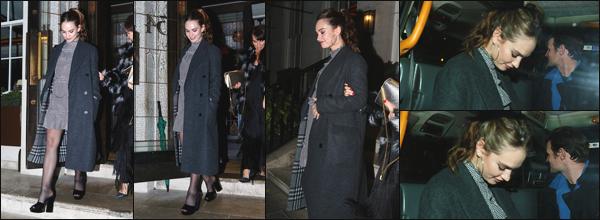 """"""" • 27/10/18 — Lily James a été photographiée alors qu'elle se rendait au « 34 restaurant » se situant à Mayfair dans Londres. """""""