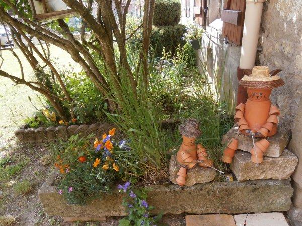 personnages pot de fleurs