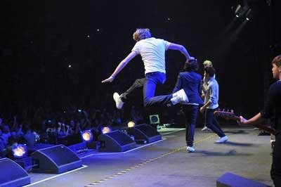 Niall est une libellule.