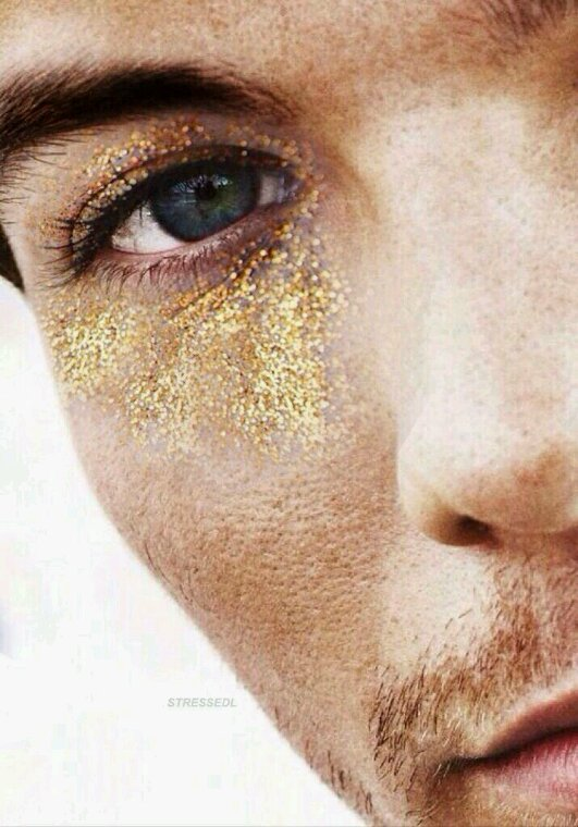 Louis il a de l'or, donc c'est un gars en or XD Aller c'est tout pour moi XD