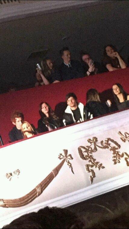 Louis avec Eleanor récemment ! #LeComeBackLouanor !