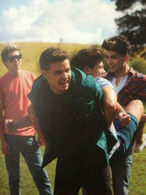 Jetez Louis à l'eau ! Il veux pas que je me marie avec Zayn !