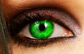 Magic Eyes T1  Chapitre 1 : Vert Emeraude