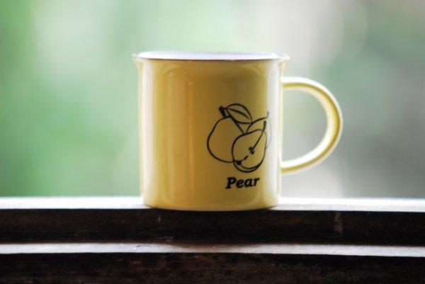 Une bonne tasse de café le matin d'une journée d'été