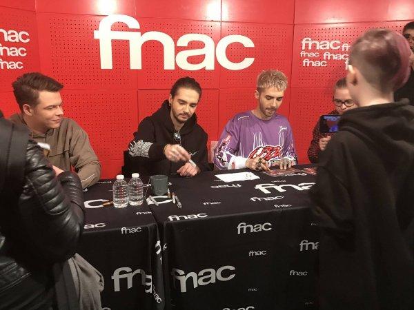 Signatures à la FNAC St Lazare PARIS le 20.03.2017