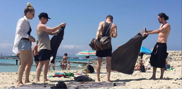 Bill, Tom et Georg à Ibiza le 01.06.2017