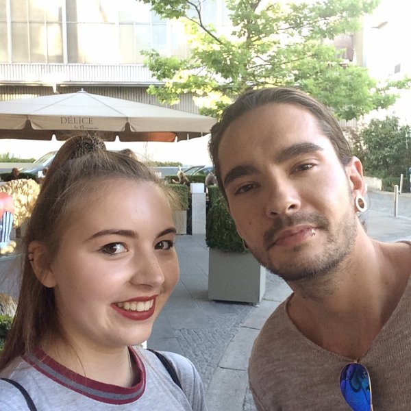 Bill,Tom & Georg avec des fans devant l'hôtel The Sofitel Bayerpost @Munich le13.07.2017]