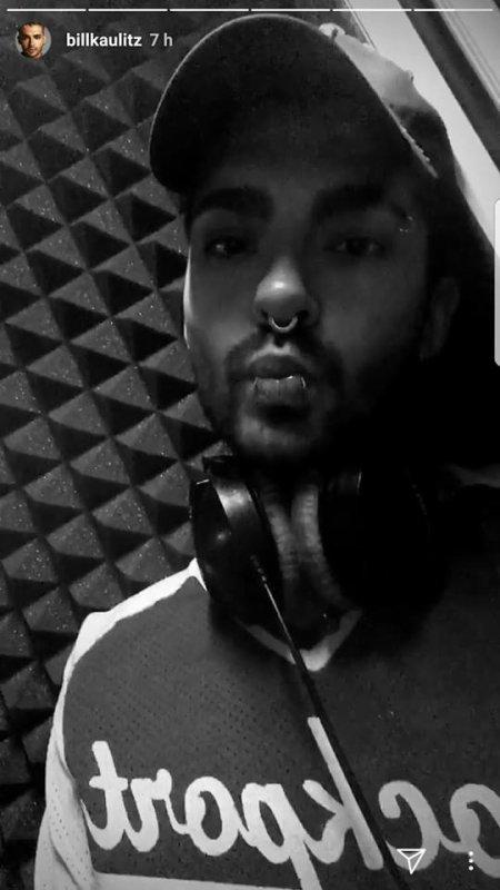 Bill Kaulitz Instagram Story le 08.02.2018 - dans le studio...🎙️🎧 #sssshhhhhh