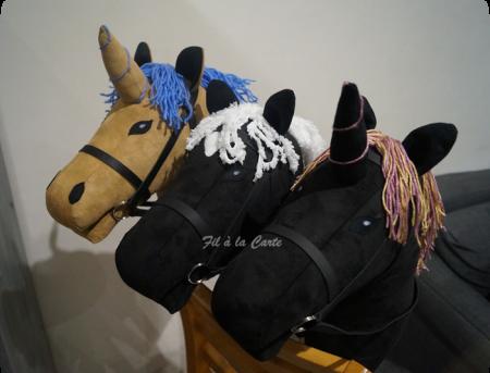 Trio de chevaux à bâton...