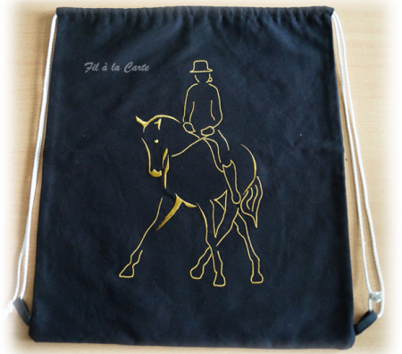 Sac à dos cheval dressage or