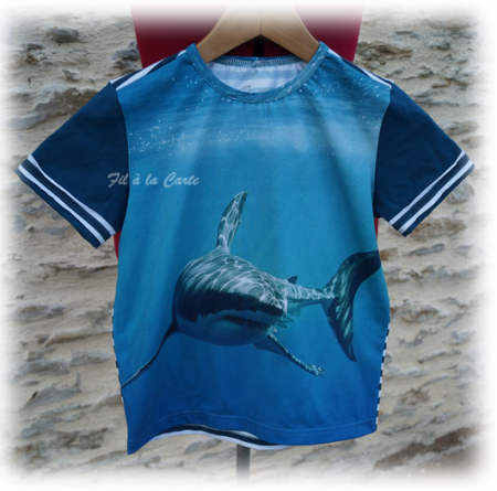 Tee shirt requin 9 ans
