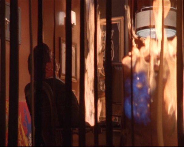 Season 2 - Episode 23 : The leavers dance