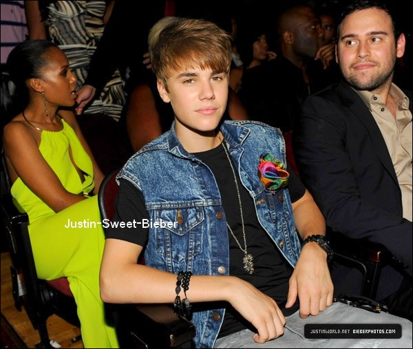 26/06 BET Awards' 11 - Bakstage