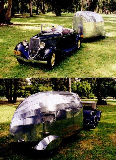 Une Bowlus Papoose de 1935 tractée par une Ford roadster 1934