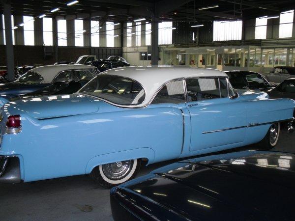 C'est l'histoire de Maibelline, une Cadillac coupé 1954, mais cette histoire ressemble étreangement à un film de John Carpenter.