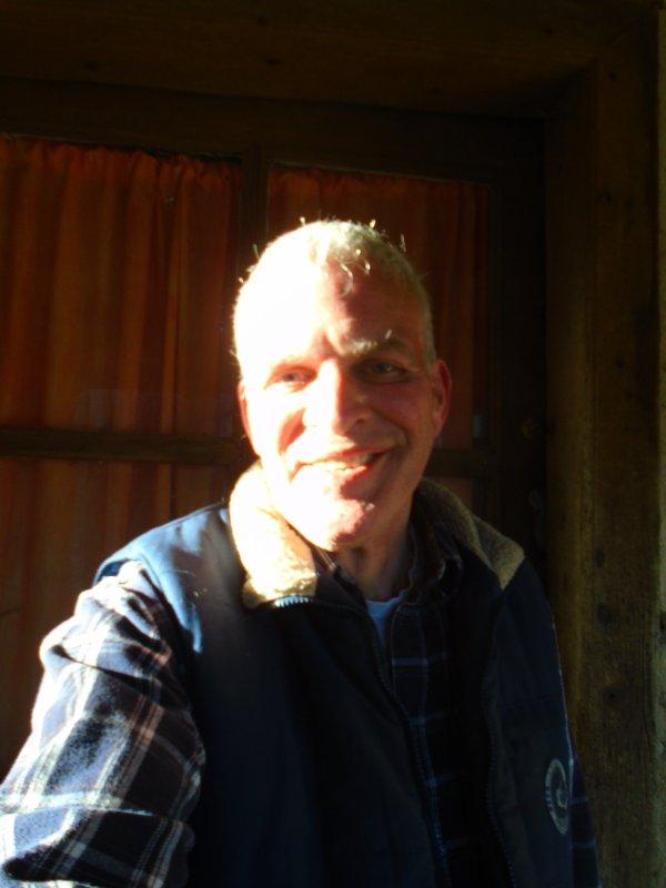 Albert Dupontel - Philosophie sur l'education, les infos TV, le prédateur et la vache à lait!
